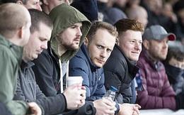 Mặc COVID-19, hàng ngàn CĐV Anh vẫn tung tăng đi xem bóng đá, thi chạy marathon khiến báo đài nước này hốt hoảng: Các người đang nghĩ cái quái gì vậy?