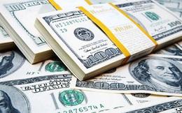 """USD ngân hàng và """"chợ đen"""" bất ngờ tăng vọt"""