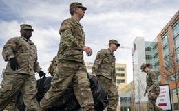 Quân đội Mỹ chạy đua với thời gian để biến các tòa nhà, khách sạn bỏ trống thành 10.000 phòng bệnh chữa trị bệnh nhân Covid-19