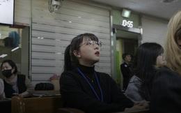 """Chỉ 10 phút cởi bỏ khẩu trang, nữ sinh Hàn Quốc bị lây nhiễm Covid-19 từ người bệnh và trải nghiệm đau đớn: """"Tôi cảm giác như ruột bị xé toạc"""""""