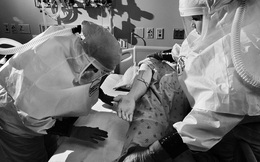 Mỹ thừa nhận hết hy vọng kiểm soát sự lây lan của virus corona, từ bỏ xét nghiệm diện rộng và đổi chiến thuật chống lại đại dịch Covid-19