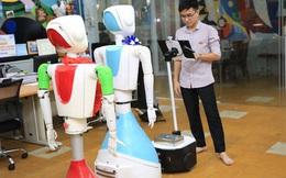 Nhóm sinh viên ở TPHCM chế tạo robot đo nhịp tim, huyết áp, cấp phát thuốc, thanh toán điện tử… giúp giảm tải bệnh viện trong bão Covid-19