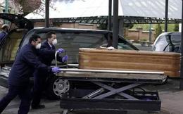 Thảm cảnh Covid-19 ở Tây Ban Nha: Sân băng biến thành nhà xác, người già bị bỏ rơi, chết trong viện dưỡng lão
