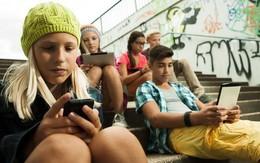 Pháp cấm học sinh sử dụng điện thoại di động ở trường học cho đến khi đủ 15 tuổi