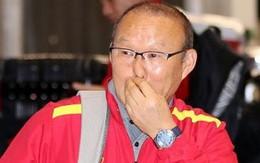 HLV Park Hang-seo căng thẳng, rụt rè trong thời điểm đặt chân xuống Hàn Quốc