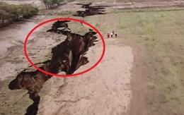 Bí ẩn vết nứt khổng lồ chia đôi khu vực Đông Phi: Thảm họa đang rình rập phía trước?