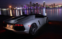 Mua nhà được khuyến mãi thêm Rolls-Royce, Lamborghini, du thuyền sang trọng và vé du lịch vũ trụ
