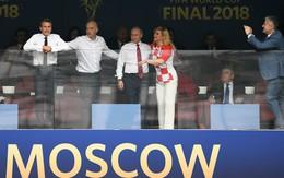 Tuyển Croatia giành ngôi Á quân World Cup nhưng bà Grabar-Kitarovic - nữ tổng thống của họ đã chiếm trọn trái tim hàng triệu người hâm mộ toàn cầu