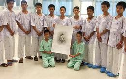 Để giảm sự tò mò của công chúng Thái Lan, đội bóng nhí được sắp xếp họp báo