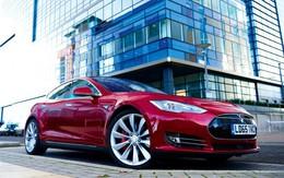 Say xỉn bị cảnh sát bắt, người đàn ông khăng khăng là mình không sao vì đã có xe ô tô Tesla tự lái