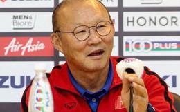 HLV Park Hang-seo bật cười khi nghe hậu vệ Malaysia nói Việt Nam chủ trương đá xấu