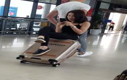 Đôi bạn tung clip tập gym ở sân bay, nhưng chiếc vali Ricardo siêu bền mới chiếm spotlight nhiều nhất