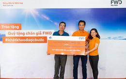 Bảo hiểm FWD trao Quỹ tặng chân giả cho những người kém may mắn