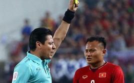"""Nóng: Trọng tài cực """"gắt"""", từng rút mưa thẻ tại chung kết lượt về AFF Cup 2018, cầm còi trận Việt Nam - Jordan"""