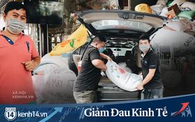 Ảnh: Người Sài Gòn ùn ùn chở gạo đến góp, máy