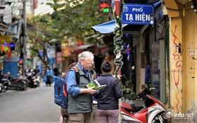Hà Nội: Du khách phương Tây