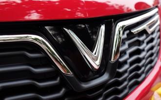 VinFast chính thức công bố giá xe: SUV 1,82 tỷ đồng, Sedan 1,37 tỷ đồng, Fadil 423 triệu đồng