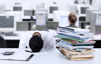 Rất nhiều dân văn phòng đang tự làm hại sức khỏe của mình chỉ vì một hoạt động không đáng có và ít ai để ý