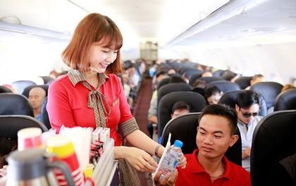 Tăng suất ăn máy bay, khách sẽ 'xài'... mì tôm ?