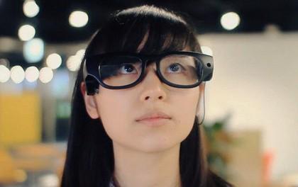 Kính thông minh có thể chuyển văn bản thành giọng nói giúp người khiếm thị dễ dàng đọc hiểu mọi thứ