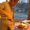 Tự mở nhà hàng Nhật trong phòng kí túc, anh chàng 21 tuổi khiến giới sành ăn ở Amsterdam phải ngỡ ngàng