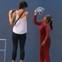 """Video: Chụp ảnh ở """"Tuyệt Tình cốc"""", khách Tây bị một phụ nữ đòi thu 10 nghìn đồng xua đuổi"""