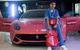 """Cậu ấm xứ Dubai """"cuồng"""" thời trang hàng hiệu Louis Vuitton x Supereme: Siêu xe Ferrari cũng phải theo xu hướng"""